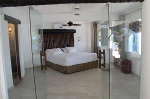 Three bedroom pool and jacuzzi